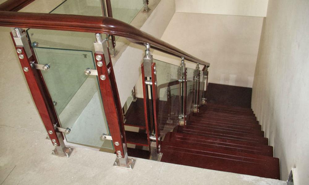 tangga rumah tipe 36